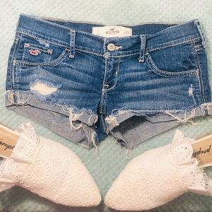 Hollister low rise shorts size 25